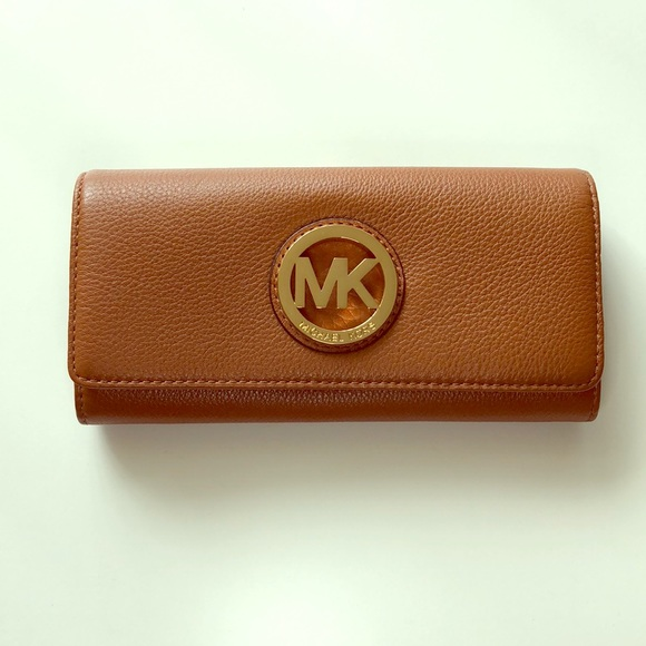 22872334365a MK Michael Kors Fulton Leather Wallet NWT